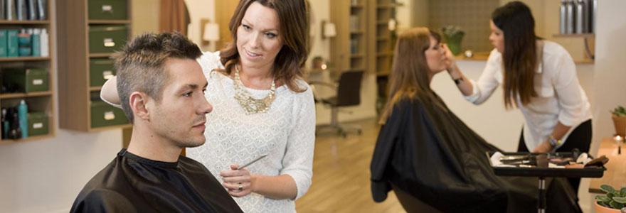 Rendez vous en ligne chez un salon de coiffure